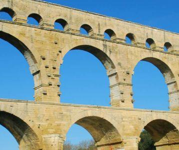 cycling-pont-du-gard-in-provence