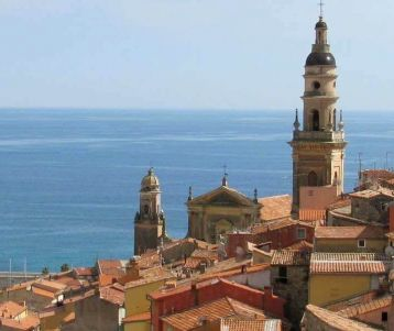menton-coloured-italian-city-of-french-riviera