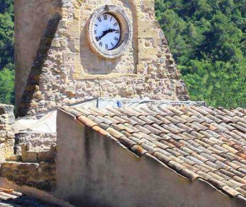 biing-adventure-genuine-stone-village-luberon-provence