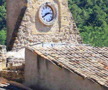 biing-adventure-genuine-stone-village-luberon-provence