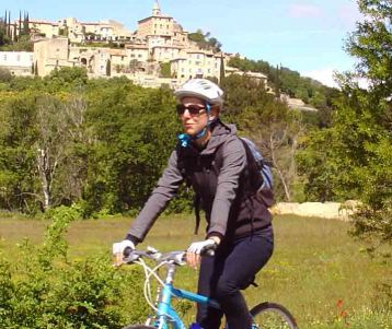 PRIVATE GUIDED CYCLING DAY TRIP - Easy - Isle sur Sorgue to the Luberon