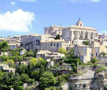 guided-hiking-walking-day-holidays-in-famous-perched-village-gordes-spectacular-senanque-abbaye-lavender-field-of-provence