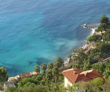 hiking french riviera all the way to menton