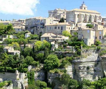 bicyle-tour-ventoux-and-luberon-famous-perched-village-gordes-provence