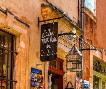 cycling-trip-in-roussillon-colored-ochre-quarry-luberon-peter-mayle-provence