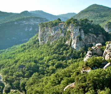 PRIVATE GUIDED DAY TRIP - Moderate - Buoux & Luberon