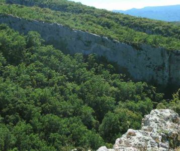 walk-genuine-off-the-beaten-tracks-in-the-luberon-bonnieux-buoux-provence