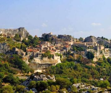 perched-village-baux-de-provence-olive-groves