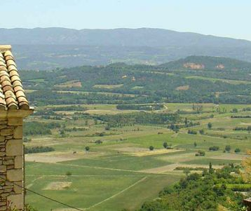 walk-in-gordes-stay-in-de-luxe-lavish-hotel-luberon-provence