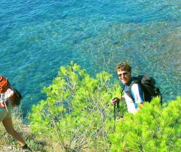 100% coastal walking : the French Riviera to Marseille