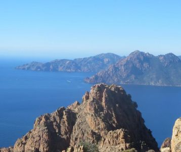 Corsica walking holiday : the best trails from Calvi to Porto by the sea