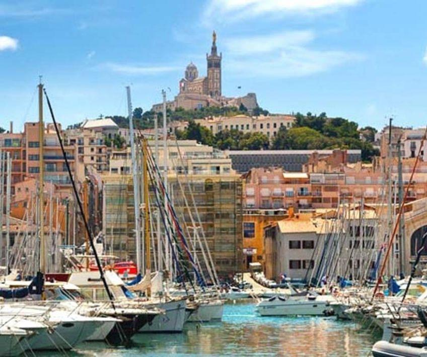 Marseille tour panoramique de la cit phoc enne - Apple store marseille terrasse du port ...