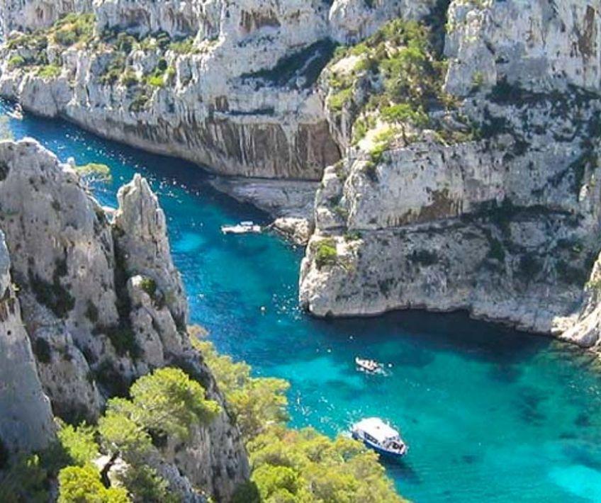 cassis and its calanques provence reservation. Black Bedroom Furniture Sets. Home Design Ideas