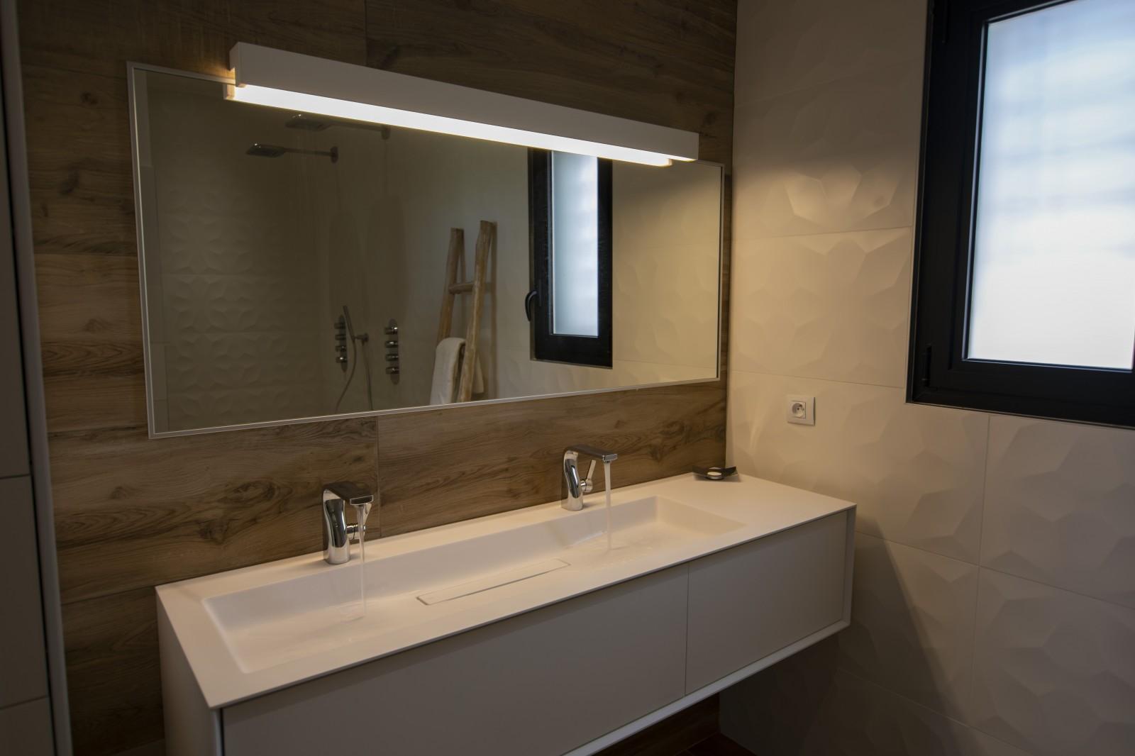 SDB rénovation d\'une villa moderne près d\'Aix en Provence