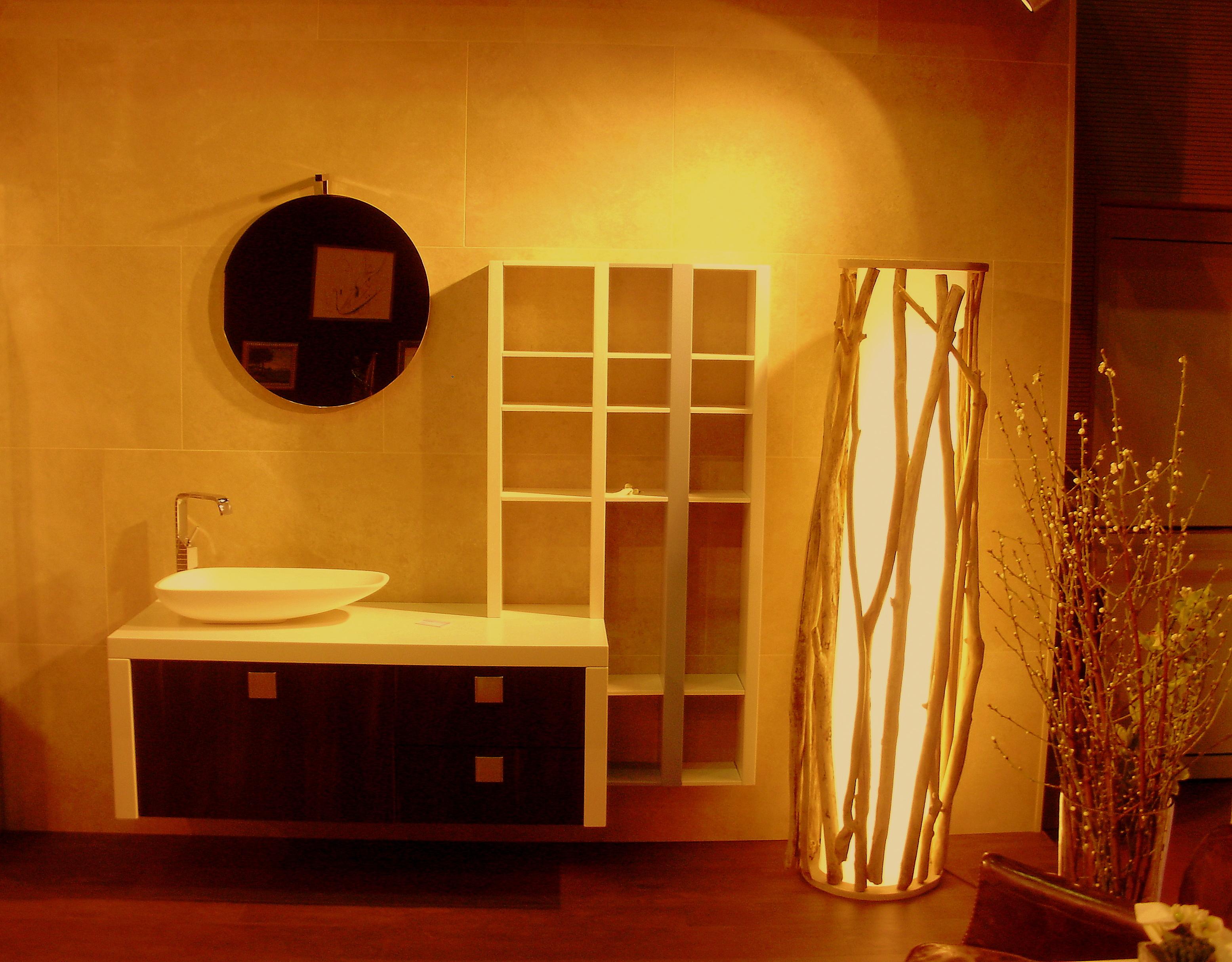 colonne lumineuse au clair de lune luminaires bucoliques et mobilier design naturel. Black Bedroom Furniture Sets. Home Design Ideas