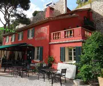 hiking to cassis calanques and on cezanne footsteps aix en provence walk inn provence. Black Bedroom Furniture Sets. Home Design Ideas