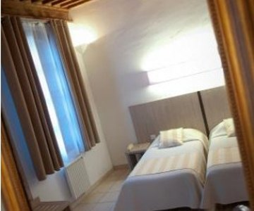 Hotel La Taverne - Uzes