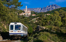 train-micheline-crossing-mountain-of-corsica