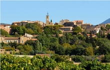 magnifique randonnee dans les contreforts du mont ventoux au village authentique du crestet en chemin pour vaison la romaine