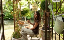 isle sur la sorgue great cafes and restaurants by the river antiques shops and great sunday market
