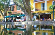 cycle-accross-the-luberon-to-the-famous-village-of-cucuron-and-lourmarin-in-provence-just-next-to-aix-en-provence