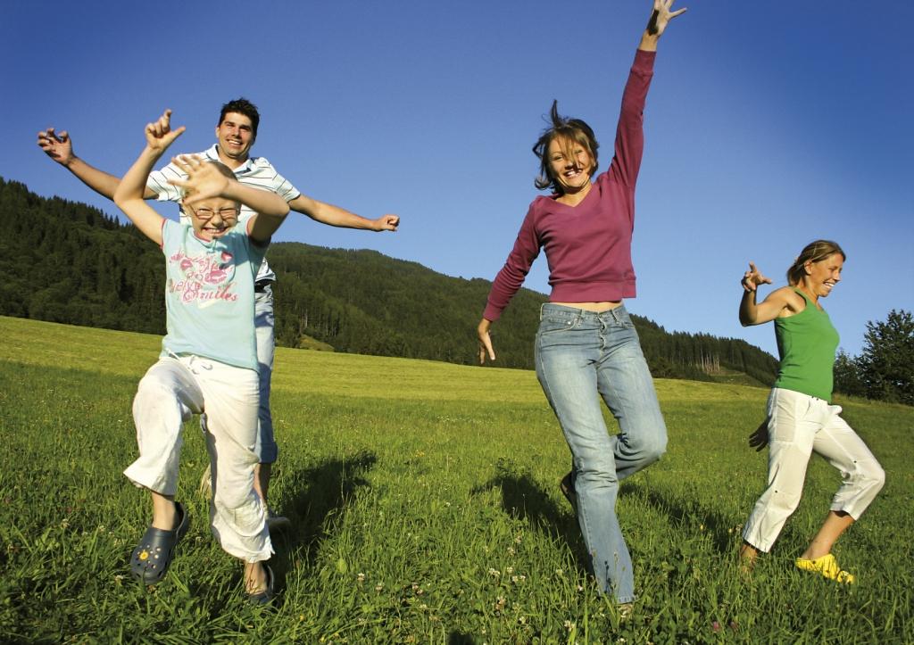 Famille_heureuse-valeurs_distrigaz.jpg