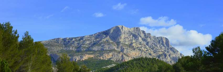 Sainte-Victoire mountain, perfect for a hike close to Aix
